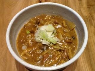 カレーうどん ひかり TOKYO - カレーうどん、自家製スパイスのスープと特注国産小麦の香り豊かな太麺で、近日池袋の名物になる予定の味をご賞味下さい(笑)