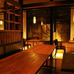 富山豚食堂 かつたま - 夜の店内