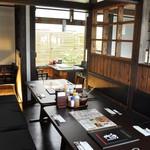 富山豚食堂 かつたま - 昼の店内