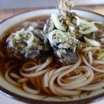新沼食堂 - 料理写真:わかめ天ぷらうどん