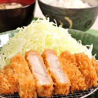 富山豚食堂 かつたま - 料理写真:極上ロースかつ定食