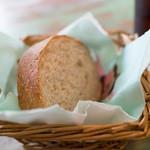 ファミリア - ランチのパン