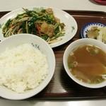 ろざん - 肉ニラ炒め定食(750円)