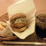 モスバーガー - メンチカツバーガー・オニポテセット(690円)