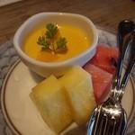 百名伽藍 - デザートは,マンゴープリン, パイナップル,スイカ。