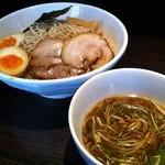 愛宕 - つけ愛宕(つけ麺(チャーシュー入りつけ汁)+炙焼チャーシュー+ごまたまご)