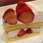 イタリアン・トマトカフェジュニア - いちごのショーケー