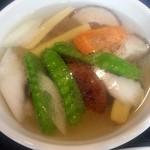 中華料理 瀋陽飯店 - 野菜スープ