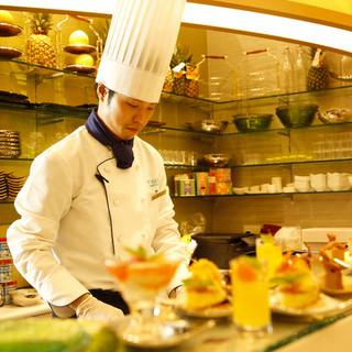クラブラウンジスタイルの本格タイ南部料理トロピカルビュッフェ