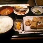 豆家 - おまかせ定食(\900)