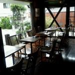 珈琲屋 くりの木 - テーブル席☆