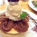 Vege - 栗とバニラアイスのパンケーキ