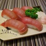 旬鮮宴味 桜田 - 鮪にぎり
