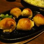 28774272 - 鶏皮餃子480円