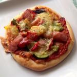 アンソレイユ - パプリカいっぱいのトマトピザ