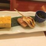 28779389 - 出し巻き卵、鰆西京焼き、焼き蒲鉾、めかぶ