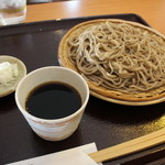 おやまぼくち - 料理写真:ざるそば 850円