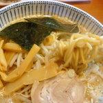 2879879 - 太麺と呼んでいますが中太麺でした
