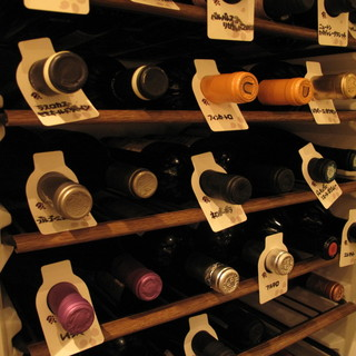 各種白・赤ワイン取り揃えております。