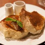 Banks cafe & dining - マスカルポーネパンケーキ ティラミス
