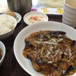 王家中国福建家常菜 - 麻婆茄子定食デザートは胡麻団子
