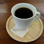 カフェ ドルフィン - セットのホットコーヒーです。