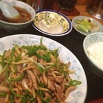 中華飯店青柳 - 料理写真:むかーしからあるお店☆青椒肉絲が食べたくて(OvO)☆