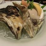 味処おかや - 隠岐の岩牡蛎