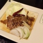 台湾創作キッチン RYU - 「豚の煮込み」。とろける食感で、ピリ辛な味付けがユニークかつウマイ!