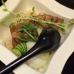 台湾創作キッチン RYU - そして「ルーロー飯」。台湾料理の代表とも言える魯肉飯。日本風に言えば豚煮込みぶっかけ丼ですね。こちらはアッサリ甘辛♪