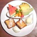 28801735 - 季節のフルーツのパンベルデュ 1100円