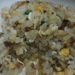 五円安 - 焼き飯・・・挽肉が入っていて甘めの味付けでした。