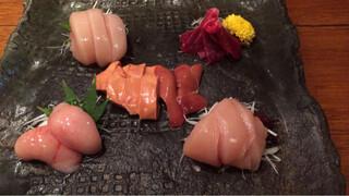 鶏一途 - 地鶏刺身の盛り合わせ5種(1400円)。この日は極上白肝入り!!