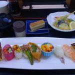 28809848 - お昼は1000円で野菜寿司