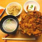 味くら 三木 - 「桜えびとやさいのかきあげ天丼(小鉢2品付、汁・新香)」700円