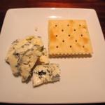 BEER HOUSE 福舎 - チーズ1種(ゴルゴンゾーラ)