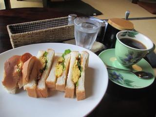 喫茶シララ - 玉子トーストサンドセット