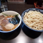 兎に角 松戸店 - つけ麺+燻玉800円