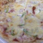 山田酒店 - 料理写真:スパイシーピザ 800円