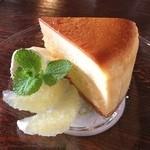 古民家カフェ 伴屋 - バニラチーズケーキ☆