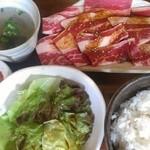 富福 - 牛バラ大盛定食(900円)