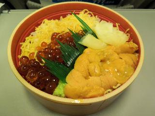 実演空弁 北の味覚 すず花 - ウニイクラ丼 中(1860円)