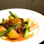 Sauge - 料理写真:牛フィレのステーキ フォアグラ添え 1600円