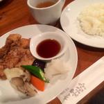 樹下 墨流亭 - 豚肉の竜田揚げ、おろしポン酢添えランチ