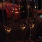 コットンダンサー - スパークリングワインを注いでもらいます