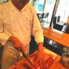 デニス・アメリカン・グリル - 料理写真:網焼きデニスステーキはシェフ自らお客様の目の前で切り分けます!
