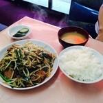 金安軒 - レバニラ定食 ボリューム満点