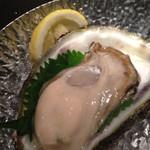 28849688 - 岩牡蠣♪値段表記無し