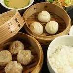 肉汁水餃子 餃包 - 二段せいろ定食(ランチ限定)