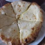 カバブハウス - チーズナン